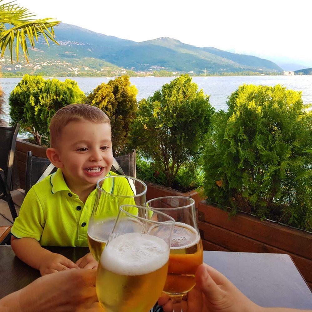 Вечеря на залез край Охридското езеро, Северна Македония