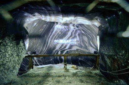Синьо-бели форми в солната мина Салина Турда